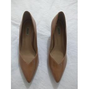 2329d403ef Sapato Scarpin Dourado Envelhecido Aberto Feminino Arezzo - Sapatos ...