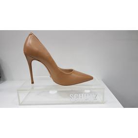 7b33beb2e Sapato Schutz Com Tachinhas Feminino Scarpins - Sapatos no Mercado ...