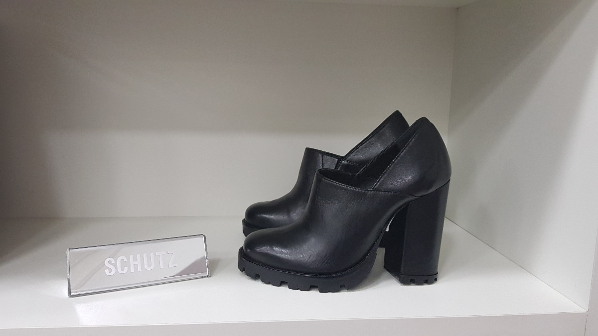 4f46f80fe3c Sapato Vegetal - Schutz -sapato Salto Grosso Sola Tratorado - R  285 ...