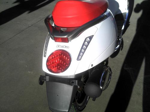 scooter beta 150 tempo deluxe 0km  mejor contado