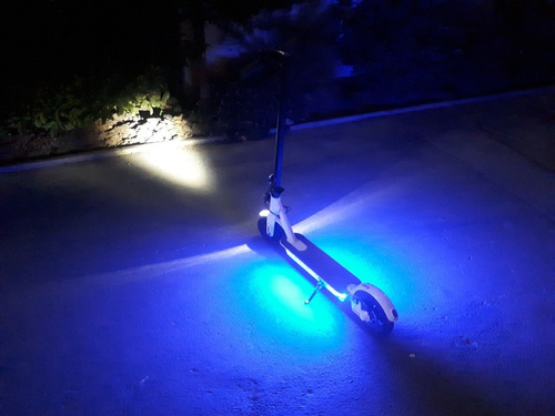 scooter eléctrica con suspensión casi sin uso