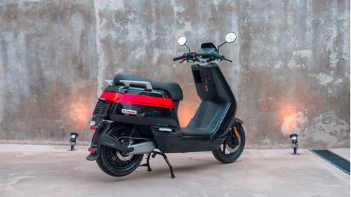 scooter eléctrico nuuv ngt no yamaha nx max no kymco people