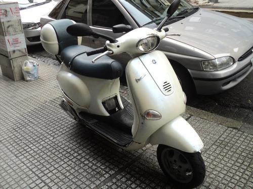 scooter motoneta piaggio vespa et4-150 color perla italia