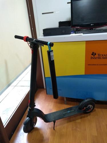 scooter motor monopatín eléctrico batería intercambiable.