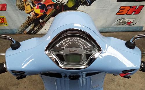 scooter motos vespa gts