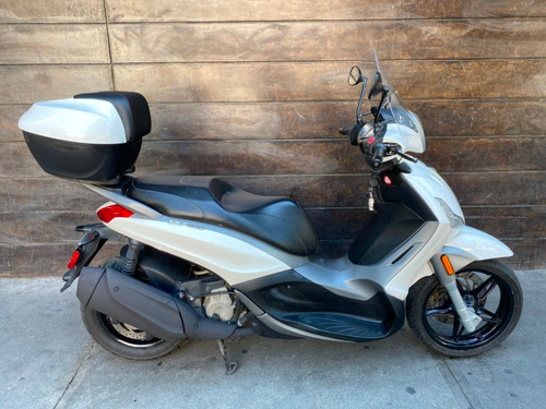 scooter piaggio beverly bv 350 en perfecto estado topcase