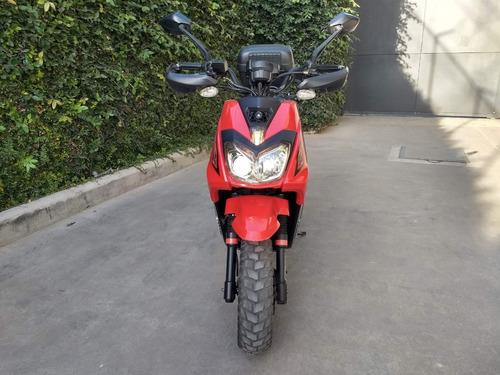 scooter veloci 2018, seminueva.