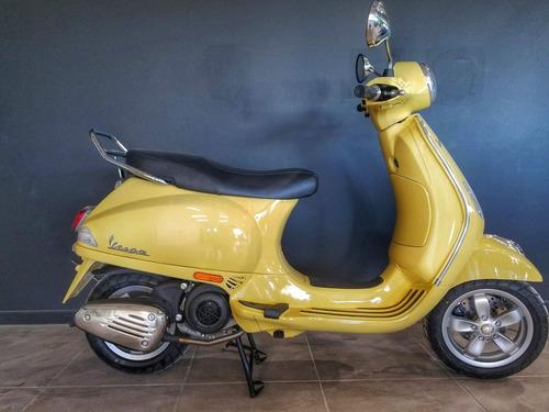 scooter vespa scooter