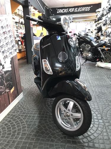 scooter, vespa vespa vespa,