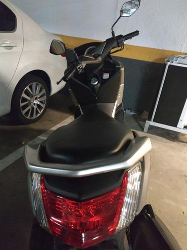 scooter yamaha nmax 160 - novinha só 4800 km. ano 2017