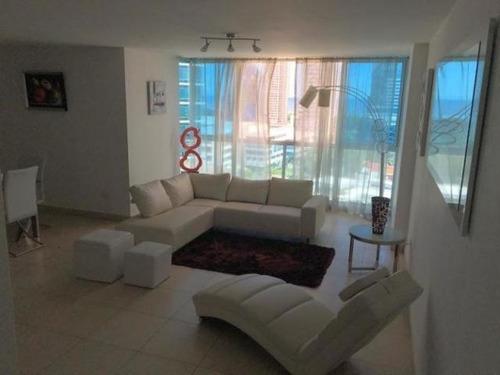 se alquila apartamento #19-2371 **hh** en costa del este