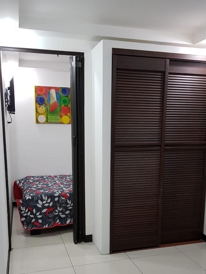 se alquila apartamento amueblado barrio méxico