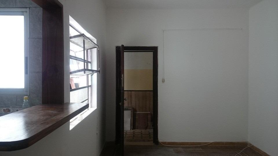 se alquila apartamento en zona de la comercial