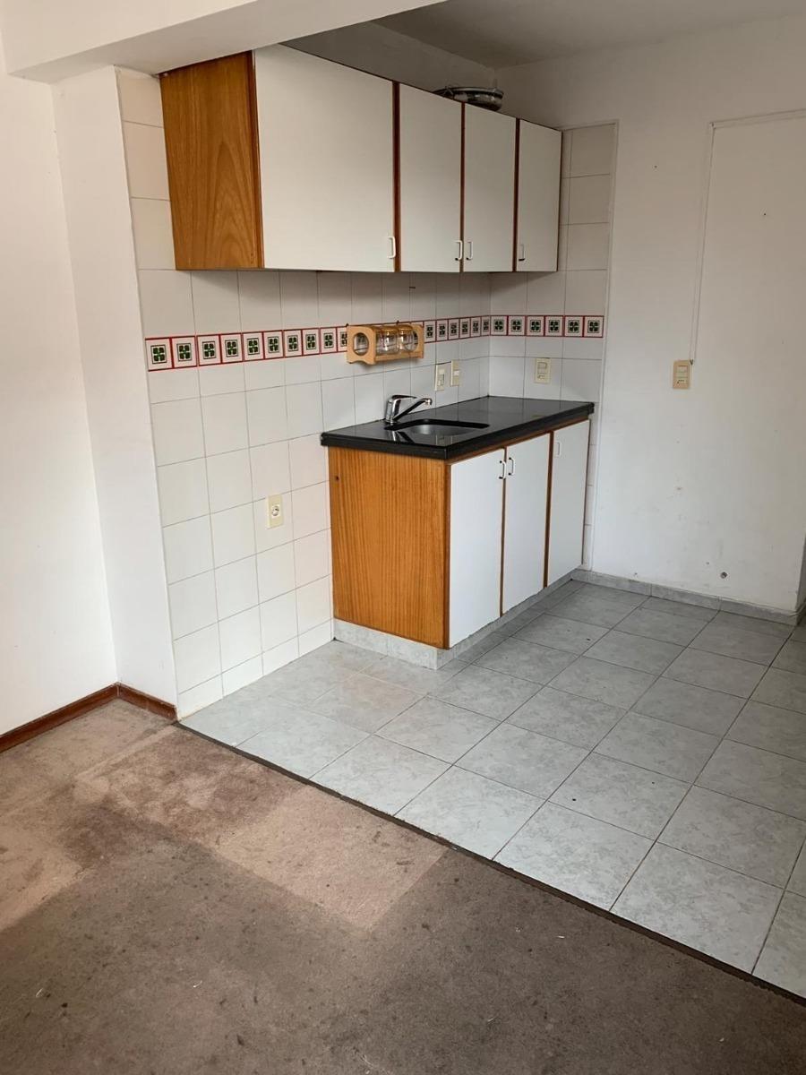 se alquila apartamento en zona de malvin