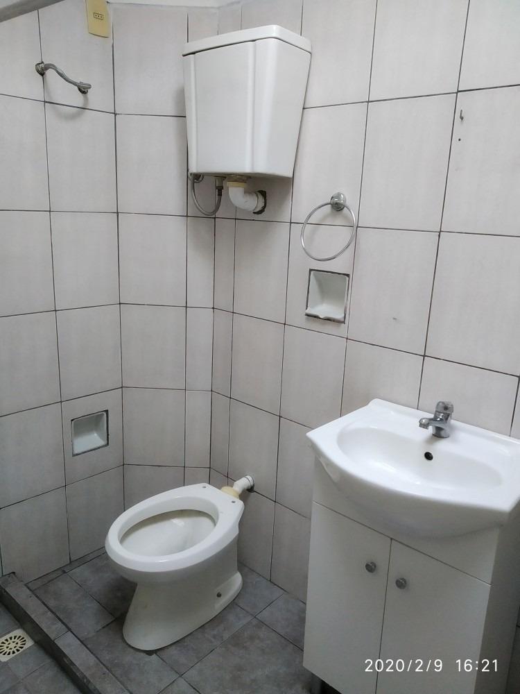 se alquila apartamento primer piso. zona atahualpa.