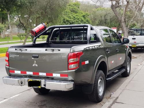 se alquila camioneta 4x4 pickup