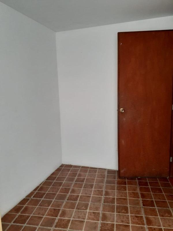 se alquila habitación para persona sola