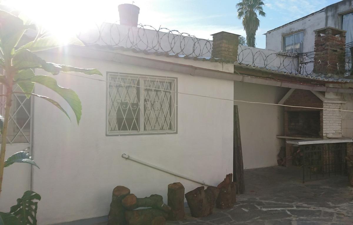 se alquila linda y luminosa casa familiar!! la blanqueada