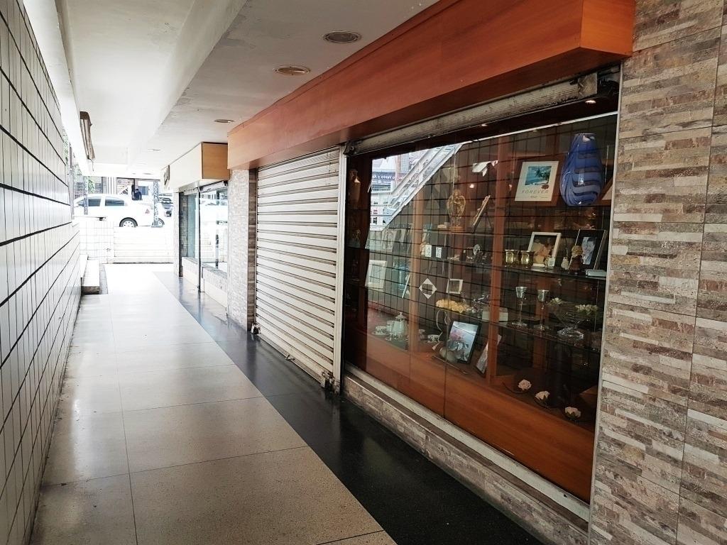se alquila local comercial en el cc la galeria !, ltr 395972