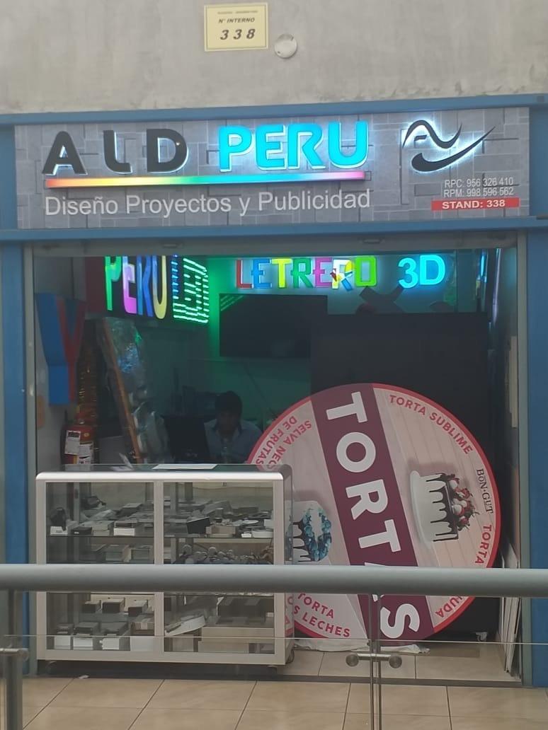 se alquila local comercial en plazatec