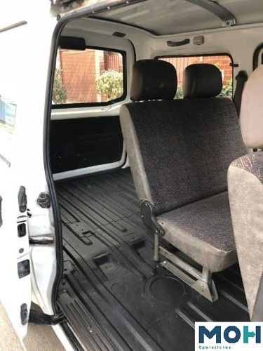 se alquila minivan chevrolet n300