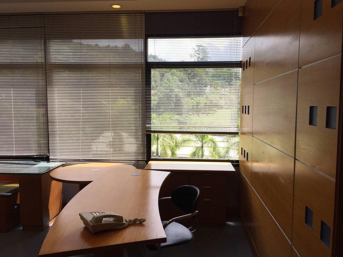 se alquila oficina 113m2 la lagunita