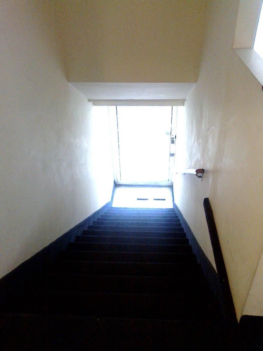 se alquila oficina de 75 m2 buen estado y exc ubicación