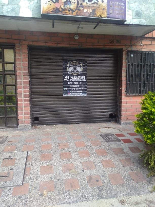 se alquilan locales en colombia con la 80