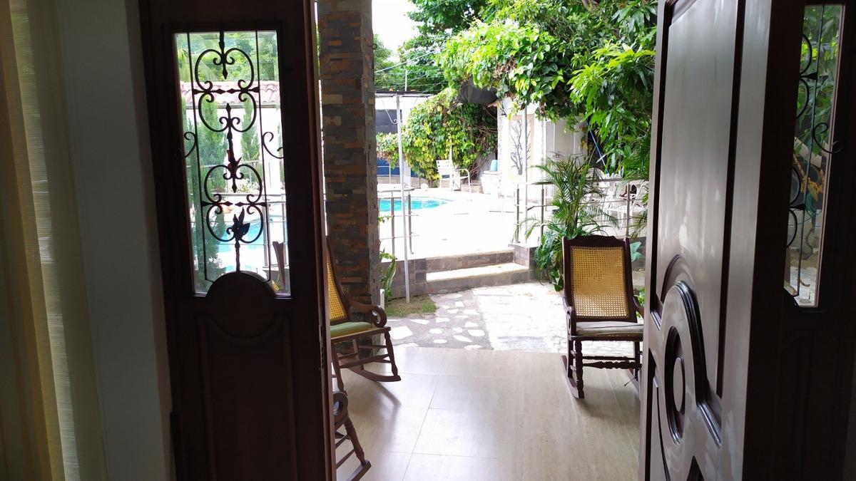 se arrienda casa con piscina en rodadero reservado 830mts2.