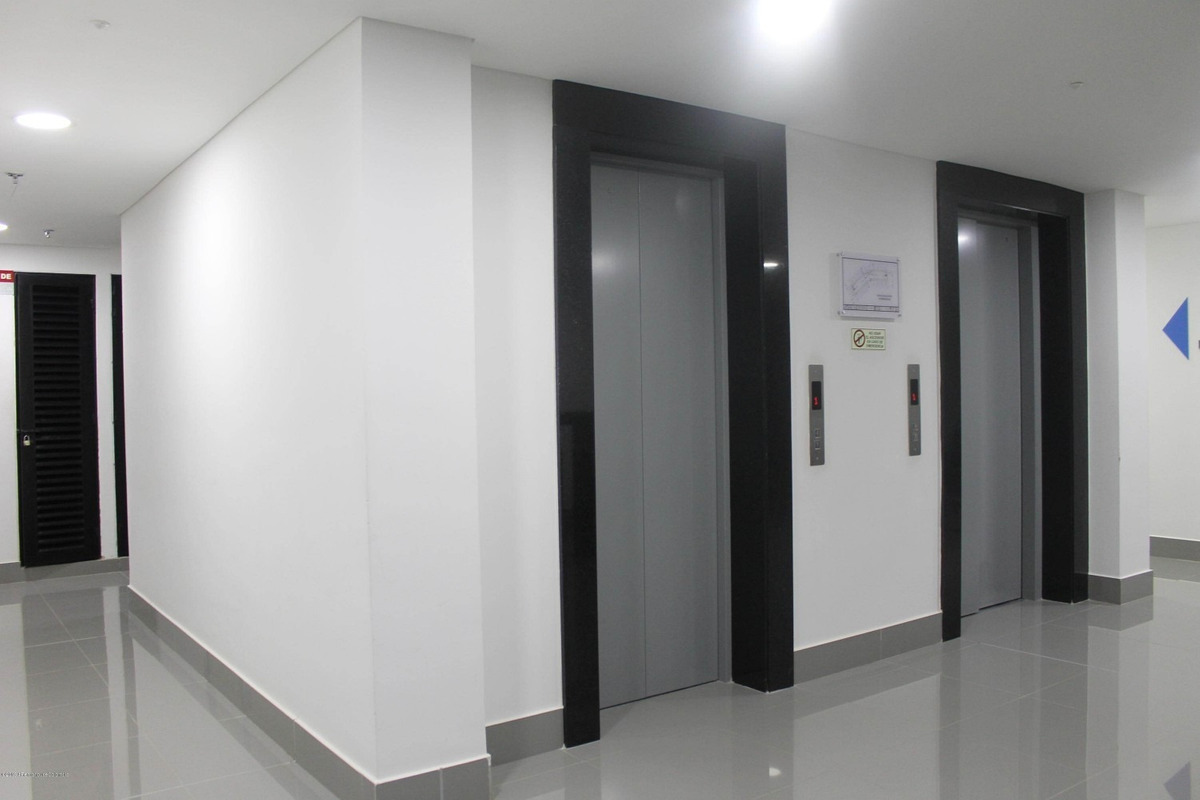 se arrienda consultorio en calahorra mls 19-1028 fr