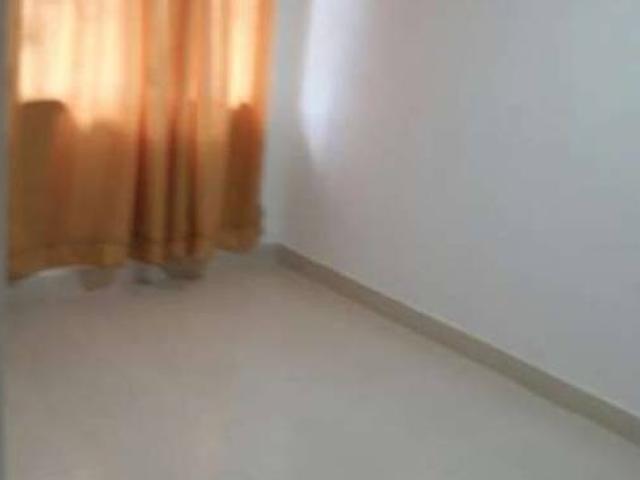 se arrienda habitacion para una o dos personas