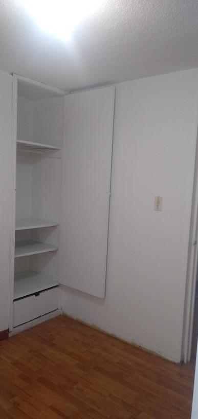 se arrienda habitación pequeña con opción de parqueadero