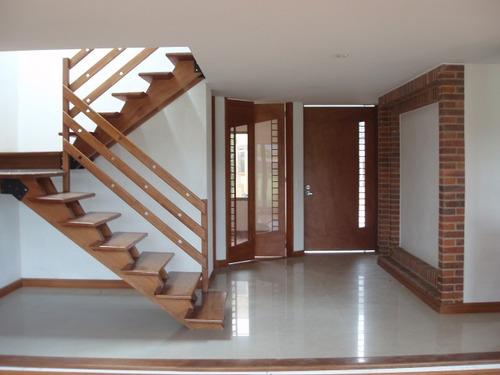 se arrienda hermosa casa en chia- vereda fonqueta- 3 alcobas