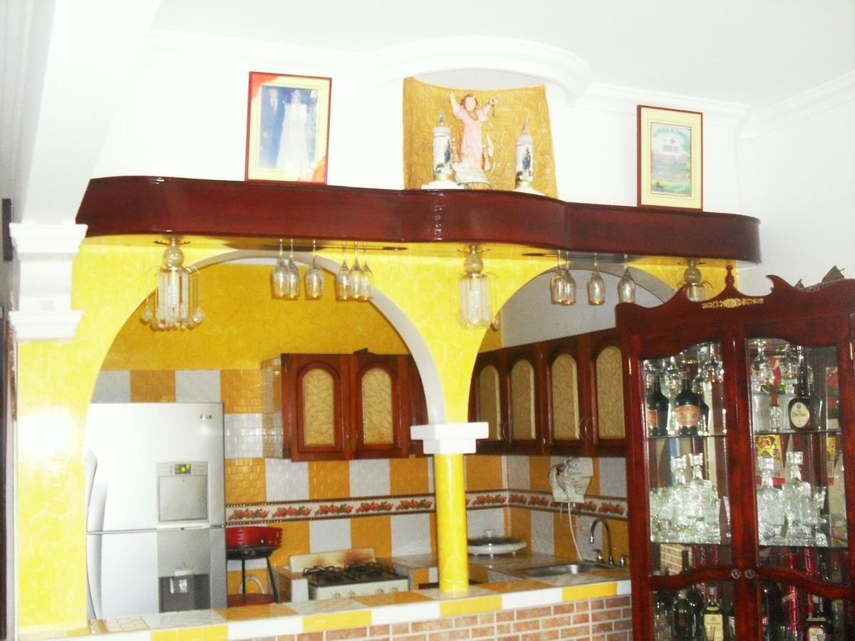 se arrienda, hermosa casa familiar en el barrio pablo vi.