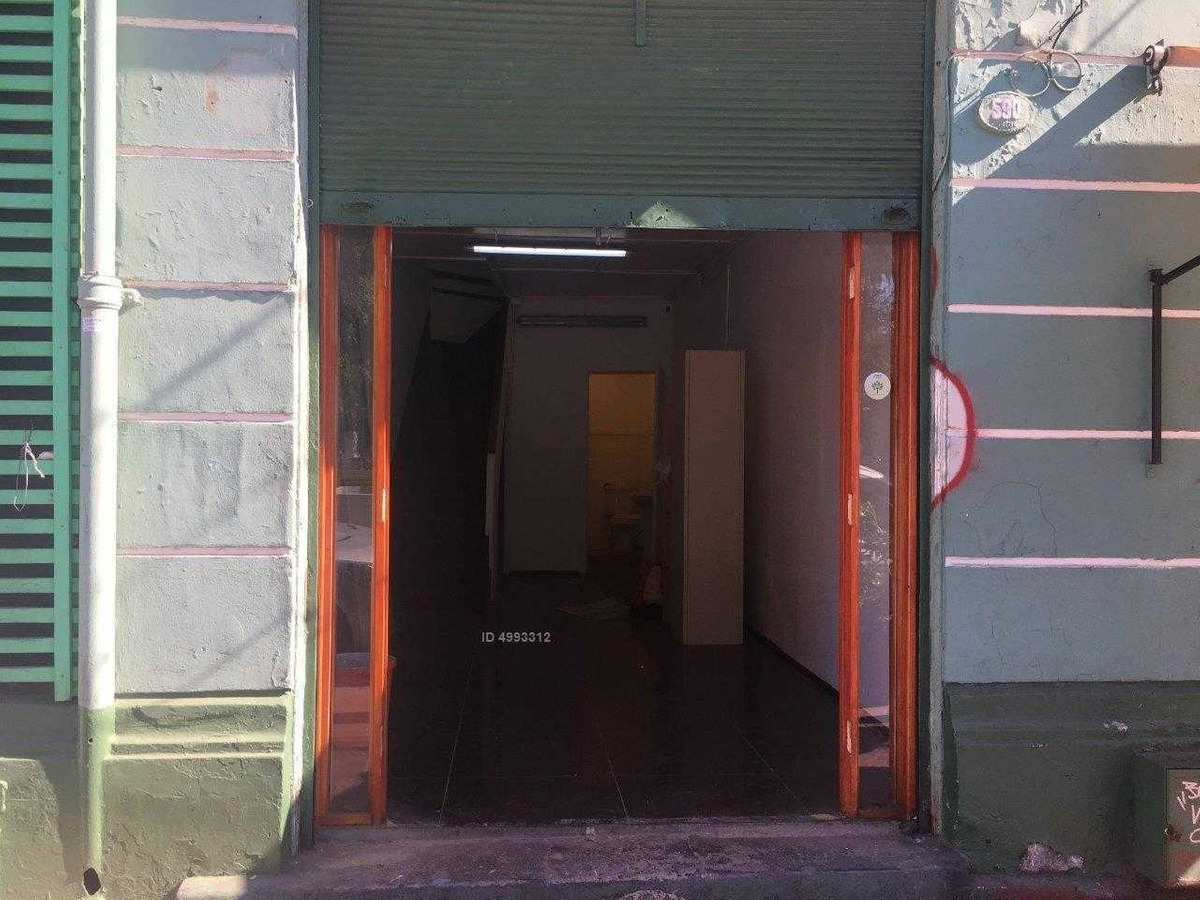se arrienda local comercial a la calle en calle freire valor $ 650.000