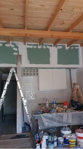 se brinda servicio de pintura, durlock y mantenimiento gral.