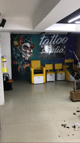 se busca tatuador con experiencia