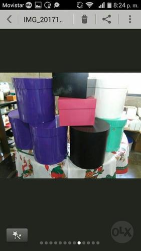 se elabora cajas redondas para regalo o compromisos sociales