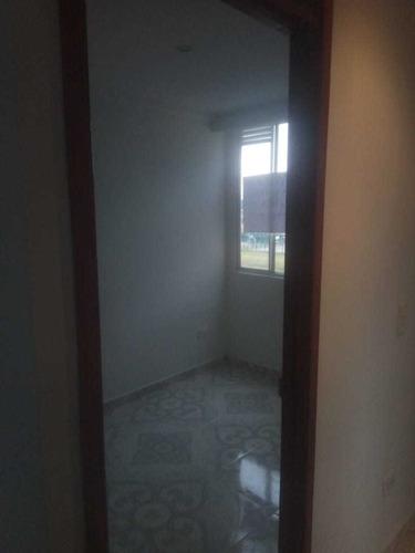 se hacen arreglos locativos en casas y apartamentos.