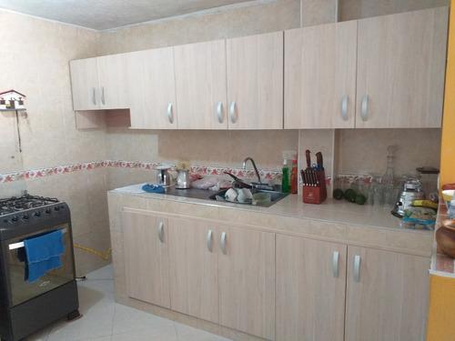 se hacen cocinas,closets,divisiones de baño