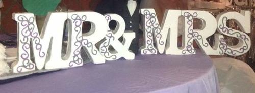 se hacen letras para 15 años, bodas...