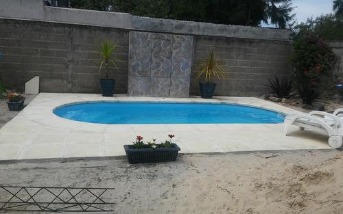 se hacen piscinas,trabajos de albañileria y carpinteria
