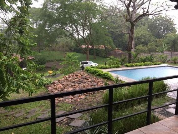 se hermosa quinta con piscina en san mateo