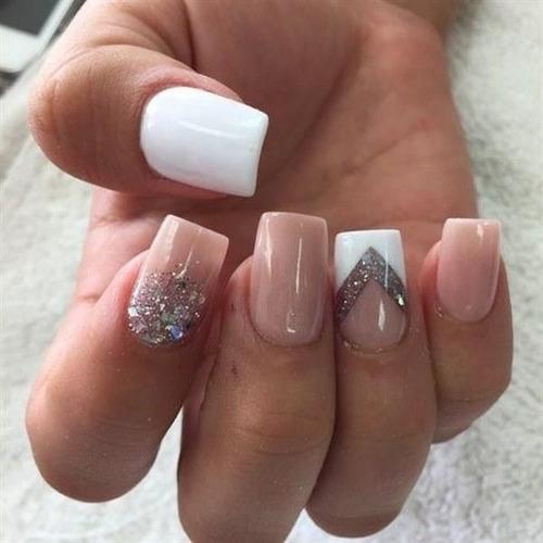 se necesita chica tecnica en uñas acrilicas