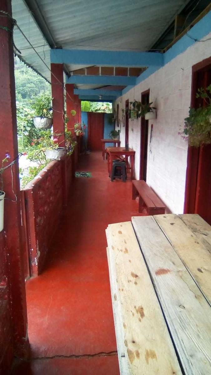 se permuta finca en villaras bajo con casa en material agua