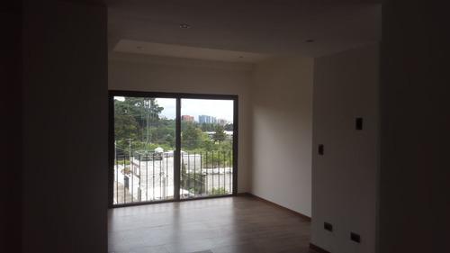 se renta apartamento en zona 16 edificio solaria premium