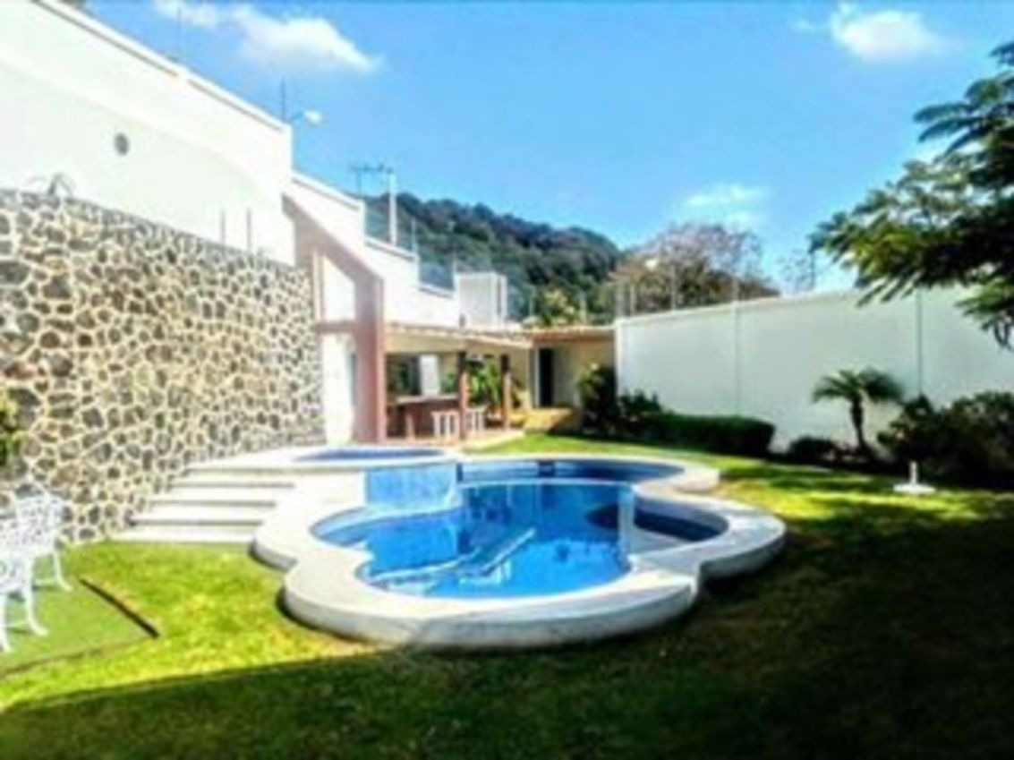 se renta casa en condominio en ahuatepec