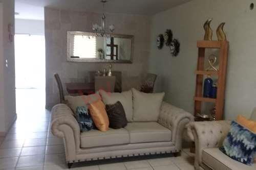 se renta casa en residencial san marcos