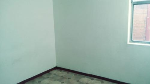 se renta cómodo departamento de 3 recámaras en av. del río, villa coapa