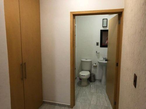 se renta cuarto amueblado con baño propio y servicios